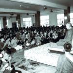 ทรงแสดงพระธรรมเทศนาแก่ประชาชนผู้มาเข้าเฝ้าที่วัดญาณสังวราราม จังหวัดชลบุรี