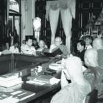 เสด็จเปิดประชุมกรรมการมหาเถรสมาคม ณ พระตำหนักเพ็ชร วัดบวรนิเวศวิหาร วันที่ ๒๐ ธันวาคม ๒๕๔๕